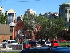 Hillhurst United Church in Calgary's Kensington (Surrealplaces) Tags: city canada calgary inner alberta kensington hillhurst sunnyside