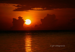sunrise in lubang Occ. mindoro (gilvillagracia) Tags: sunrise goldstaraward pcp2011