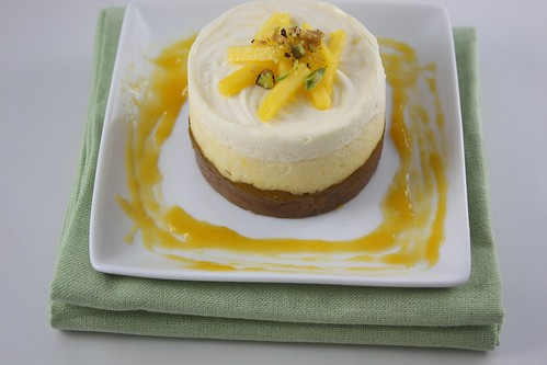 Cheesecake with Mango Filling