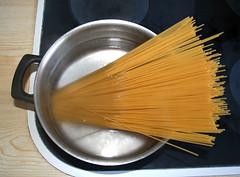 08 - Spaghetti kochen