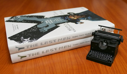"""Y: The Last Man"" Deluxe Edition vol.1 & vol.2"