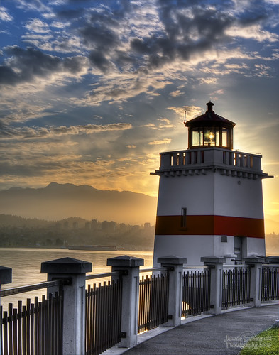 Stanley Park Lighthouse - Sun is rising