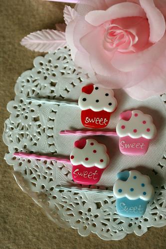 Cupcake pins