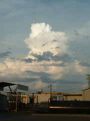 Mushroom Cloud Thunderhead (riffsyphon1024) Tags: storm mushroom clouds tn tennessee thunderstorm clarksville thunderhead montgomerycounty