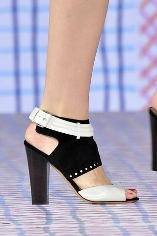Moda calzado verano 2009 Pollini