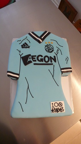 Ajax Shirt Cake by CAKE Amsterdam - Cakes by ZOBOT