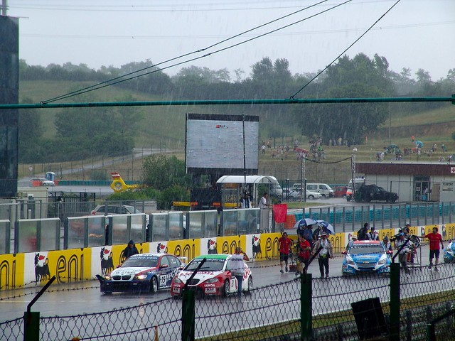 Torrential rain interrupting the second race