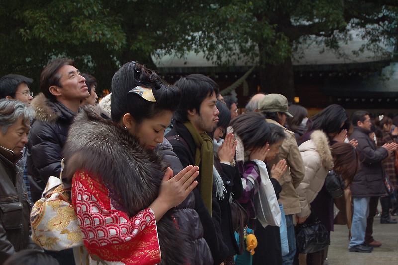 _praying_Coming-of-Age_Day-4_