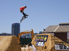 "Rockstar ""Backbone King Of Dirt"" BMX Games 09 (D3 Photography) Tags: nikon bmx rockstar sigma style dry australia melbourne games dirt docklands 2009 jumps d3 backbone 50mmf14 clicked waterban offtap"