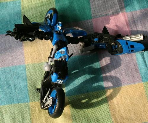 Arcee 3 toy  (blue bot)