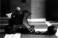 F801_09_01 (lEtnEo) Tags: blackandwhite bw white black blackwhite bn financialtimes bianco londra nero biancoenero mokambo solitudine crisi nikonf801s bnvitadistrada letneo beatasolitudo carlomodica perletneo