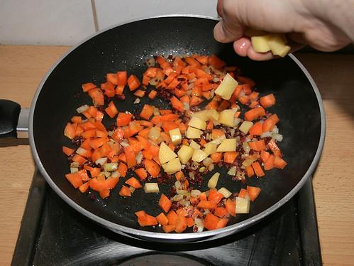 17 - Kartoffeln rein