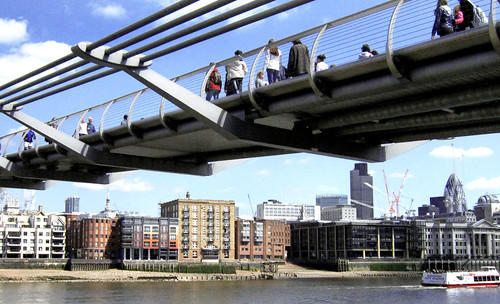 "London 376 • <a style=""font-size:0.8em;"" href=""http://www.flickr.com/photos/30735181@N00/3701927068/"" target=""_blank"">View on Flickr</a>"