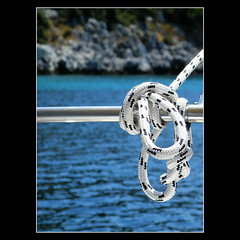 it's rather difficult to do it... (Skopelos ) Tags: cuerda rope explore fp frontpage skopelos kabel nautico selectivefocus corde nautique corda seil aegeansea nutico nautisch explored    zeevaart       thepowerofnow nauticalknot    noeudnautique zeevaartknoop   nudonutico nnutico  nodonautico seeknoten   skopelosnet