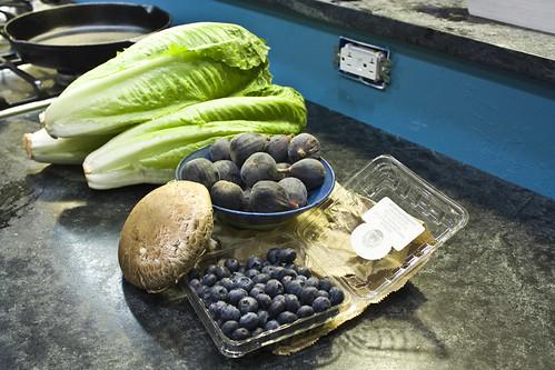 Portobella lettuce figs blueberries