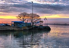 Cais IMG_0568_fhdr (Zrzimo Croquezz) Tags: sunset tree water portoalegre wharf reflexion