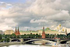The Moscow Kremlin /   / El Kremlin (Far & Away (On assigment, mostly off)) Tags: travel bridge light sky cloud reflection bus tree tower history church water car wall river boat europa europe ship cathedral russia moscow sony palace alpha orthodox faraway thekremlin daviddesousa estremit dslra300