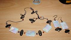 middle earth set (pamelaadam) Tags: summer digital scotland july craft fotolog jewelry aberdeen earrings 2009 byme necklance thebiggestgroup moodyceltcrafts moodyglen