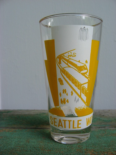 1962 Seattle World's Fair monorail souvenir glass
