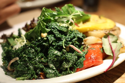 Tasty Kale with peanut sauce