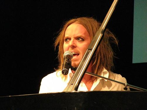 Bonnie Schneider Cleavage