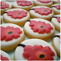 Unikko Wedding Favour Cookies 1 (rosey sugar) Tags: cake cookie decoration royal celebration icing piping marimekko unikko sugarcraft weddingfavour
