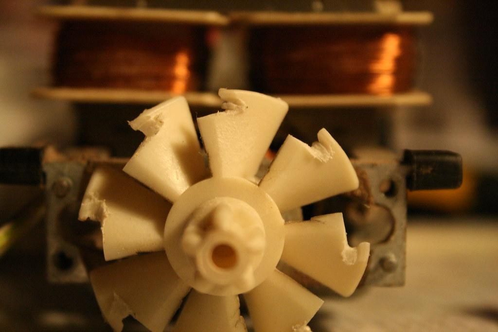 Messed up fan blades. (Repairing a broken mixer)