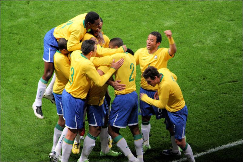 1-0 to Brazil!