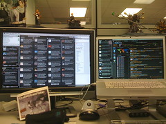 Photo of Twitter screens on Flickr by glenn.batuyong licensed under Creative Commons