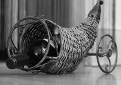Shiraz Wine   (arminMarten) Tags: blackandwhite bw canon blackwhite shiraz dslr syrah telephotolens  schwarzweis ef70300mmisusm  400d canon400d teleobjectiv  schwarzweisfotografie schwarzweisfoto armanh  schwarzweisbild schwarzweisaufnahme schwarzweisphotographie