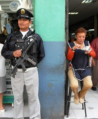 Street shot in Mexico City (mdanys) Tags: life street city smile mexico fun df mood police osama easy lunchbreak danys mdanys