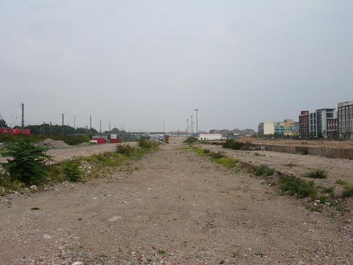 Ehemaliger Güterbahnhof Ost wo bis 2002 die Galerie Fruchtig stand. September 2005 --- gueterbhf-ost06933