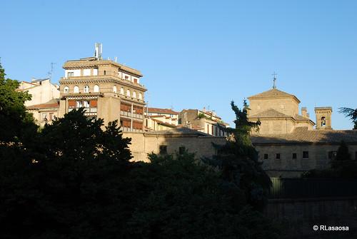 Vista desde la Taconera del Hotel Eslava, situado en la Plaza de la Virgen de la O, y de la trasera del convento de las Recoletas.