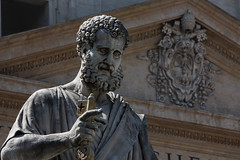 Pope's Statues