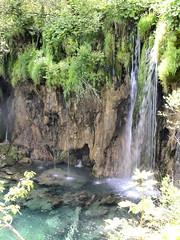 un tuffo dove l'acqua  pi blu... (g.fulvia) Tags: park parco nature water lakes unesco waterfalls acqua croazia plitvice cascate dalmazia laghi plitvickajezera