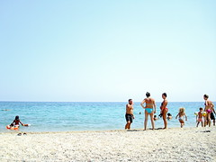People on the beach (giovanni.morelli) Tags: sea summer italy beach mare calabria spiaggia davoli calabrie davolimarina
