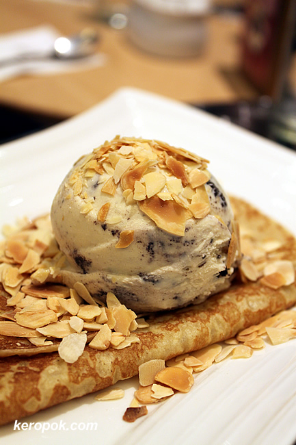choc chip with walnuts and crepe