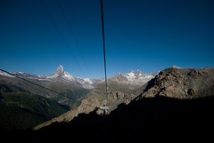 uP! (Toni_V) Tags: blue sky alps nature landscape schweiz switzerland suisse hiking peak zermatt matterhorn alpen svizzera wallis 2009 valais sunnegga cervin randonne d300 sigma1020mm cervino dsc0928 toniv blauherd abigfave theperfectphotographer 090813