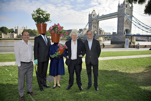 Simon with Boris Johnson and Thames Festival Director Adrian Evans before the launch of the 2009 Thames Festival