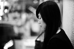 Sharen @ Hair Passion (adamchan25) Tags: china portrait bw hk white black girl monochrome beauty hair hongkong aperture kodak bokeh iso400 cosina voigtlander bessa chinese rangefinder indoor monotone perm standard 50 f11 nokton rf bw400cn c41 r2m