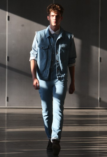 William Eustace3041_SS10_NY_Patrik Ervell (WWD)