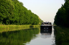 France Bourgogne Le Lorraine 12 (Lucky B) Tags: france pniche barge bougogne