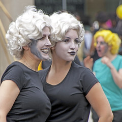 Foxy Marilyn Chicks (Don Iannone) Tags: interestingness nikon flickr marilynmonroe parade clevelandohio explore sexyladies universitycircle peoplephotography northeastohio eventphotography doniannone paradeonthecircle marilynmonroelookalike greatercleveland doniannonephotography nikond2xcamera