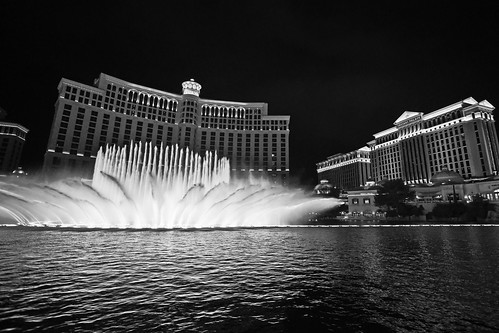 Bellagio Fountains - Las Vegas - BW