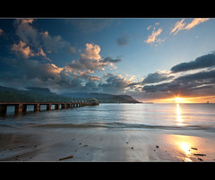 Hanalei Sunset (faid2black) Tags: ocean sunset beach canon island hawaii bay pacific northshore kauai hanalei princeville 40d