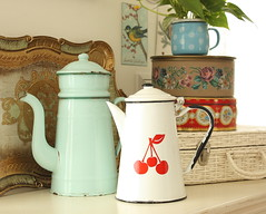 thrift enamelwares (cottonblue) Tags: house paris art home japan corner vintage cherry design living cozy bedroom apartment display furniture interior cottage decoration style livingroom coastal thrift decor bazzar fleamarket interiordesign enamelware smallspace shabbychic homefurnishing homedecoration homedesign thrfit fleamarketstyle ceainic vintagedecoration cottonblue homedressing bazzarstyle lifecountryshabbyinterior