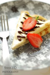 chandeleur 2009 #3 (*steveH) Tags: food dessert strawberry sweet chocolate crepes crpes chandeleur crpe steveh
