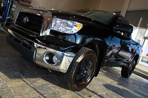 Black aluminum wheels Toyota Tundra