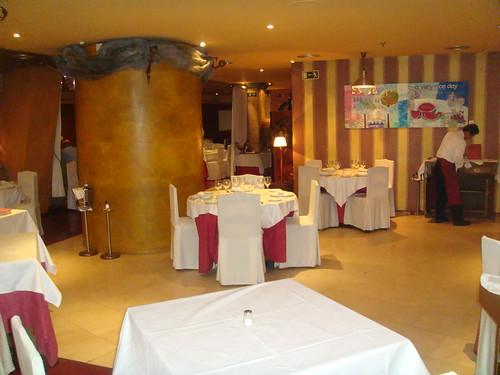 Vista del salón principal del restaurante