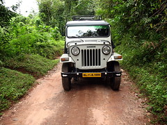 Jeep by Mahindra! (NA.dir) Tags: trip travel canon highway jeep kerala powershot teambuilding a630 mahindra vythri vainad